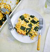 Schnelle Spätzle mit Spinat und Ei