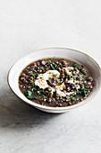 Buchweizen-Pilz-Suppe mit Spinat