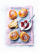 Curd bread with fruit jelly