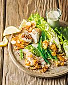 Pochierter Hähnchensalat mit Aioli