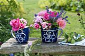 Duftsträuße aus Rosa ( Rosen ) und Lavandula ( Lavendel )
