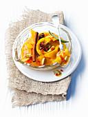 Eingelegte Zitronen mit Kardamom, Zimt und Sternanis