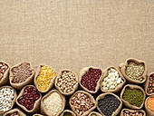 Pulses in hessian sacks