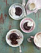 Lava Cakes mit Sahnecreme