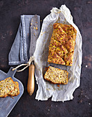 Courgette bread with flaxseeds