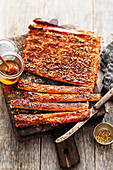 Grilled puff pastry 'ribs' with fennel and honey