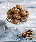 Oat cookies with figs and nuts