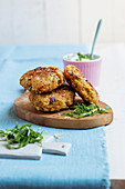 Bulgur and vegetable fritters with wild garlic tzatziki