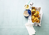 Gebratene Maiskolben mit Limetten-Kräuter-Butter