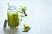 Stinging nettle lemonade with lemon balm and applesweet