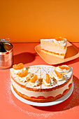 Creamy mandarin cheesecake (trend from the 1970s)