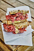 Pastrami sandwich to take away