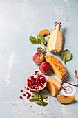 Stillleben mit frischen Früchten und Zuckerschoten