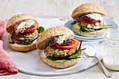 Lamm-Burger mit Zucchini und Feta