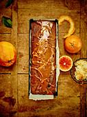 Orangen-Mandel-Kuchen mit Karamelltopping