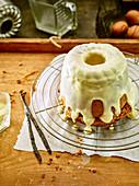 Vanilla semolina cake with an eggnog glaze