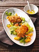 Gebackene Zandernockerl auf Endivien-Paprika-Salat