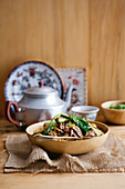 Beef and vegetables with noodles