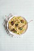 Spaghetti with spinach balls