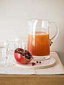 Zitrus-Granatapfel-Drink