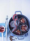 Birnen-Cranberry-Kompott mit Zimtstangen