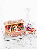 Child's cake: Jewellery box cake