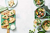 Quesadillas mit Huhn, Thunfisch-Panzanellasalat und Green Curry mit Tofu