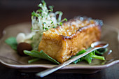 Smoked tofu with salad and sprouts