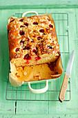 Yeast cake with raspberries