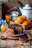 Schokoladenkuchen mit kandierten Orangen