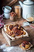 Sticky chocolate buns