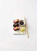 Buchweizen-Sushi mit Mango und Gurke