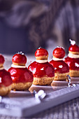 Religieuse (choux pastry desserts, France)