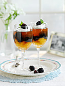 Pimms jelly with oranges and blackberries (England)