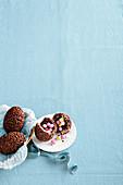 Knisternde Schokoladen-Überraschungseier für Ostern