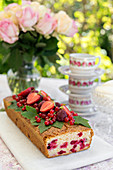 Redcurrant cake with raspberries and strawberries