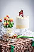 Poppyseed and lemon layer cake of Easter