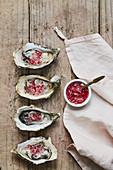 Austern mit roter Zwiebelvinaigrette