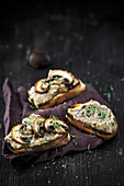 Crostini with chestnut cream, mushrooms and cress
