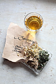 Mix-it-yourself medicinal teas for relaxation (valerian, lemon balm and chamomile)