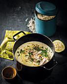 Griechische Hühnersuppe mit Zitrone und Reis