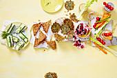 Diverse gesunde Snacks von oben, Teil 2