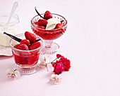Strawberries in vanilla syrup with mascarpone