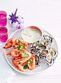 Austern mit Schalottenessig und Garnelen mit Chili-Mayonnaisedip (Weihnachten)