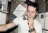 Science experiment on Skylab, 1973