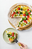 Tomaten-Brokkoli-Tarte mit griechischem Joghurt (Low Carb)
