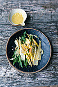Parsnip salad with rocket and pears