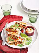 Quesadillas mit Schweine- und Kalbfleisch