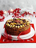 Christmas Cake mit Mandeln und Trockenfrüchten