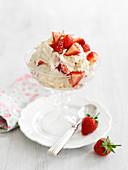 Eton Mess mit Erdbeeren